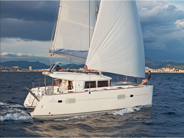 Catamaran Luxury Semi-Private Cruise